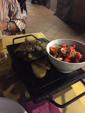 Volta Mantovana, Ιταλία: Grigliata mista di carne