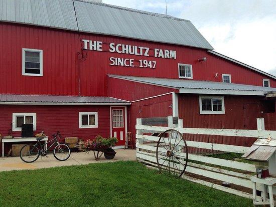Schultz's Country Barn