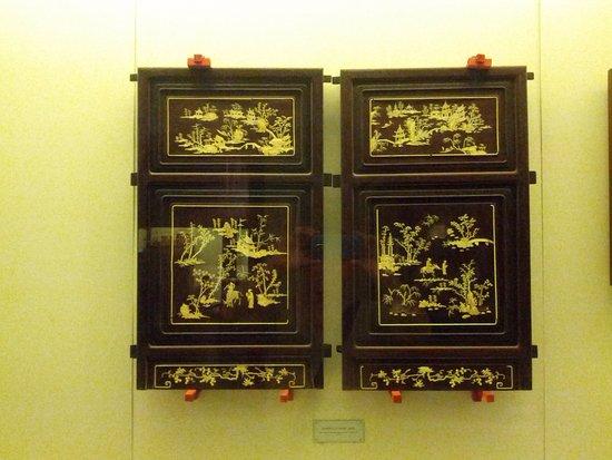 Ningbo, China: Inlaid panels