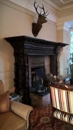 Contin, UK: Enormous hallway fireplace!