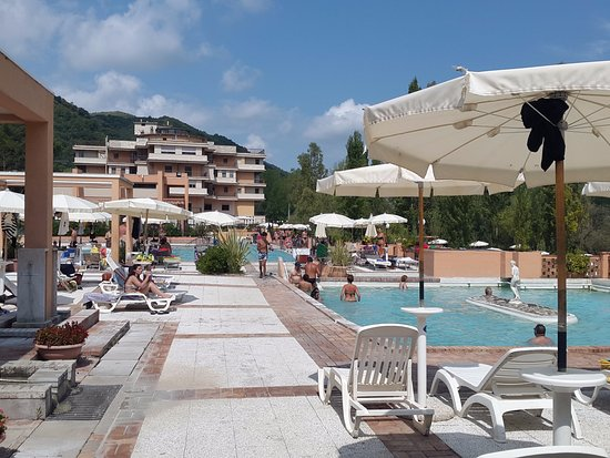 Prospettiva delle piscine foto di terme di sant 39 egidio - Suio terme piscine ...