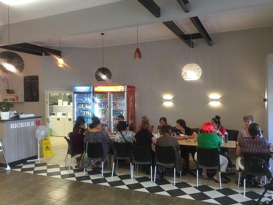 Wairoa, นิวซีแลนด์: Laundromat Cafe