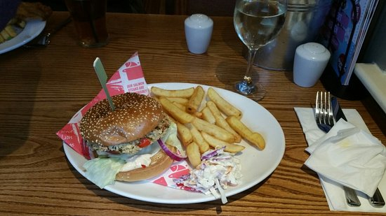 Brewers Fayre Castlewood: The worst vegi burger I have ever had!