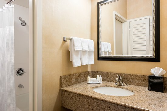 Creve Coeur, MO : Suite Bathroom