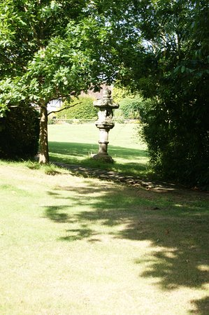 Waterhall Country House, Gatwick Photo