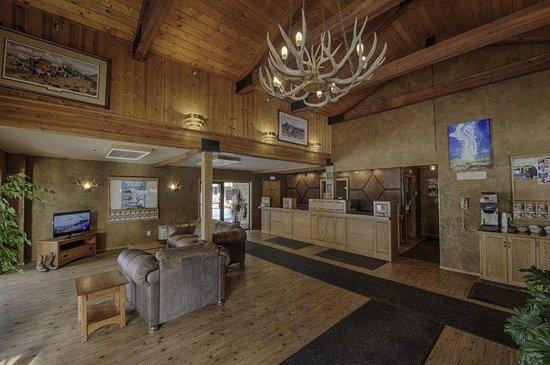 Brandin' Iron Inn: Lobby
