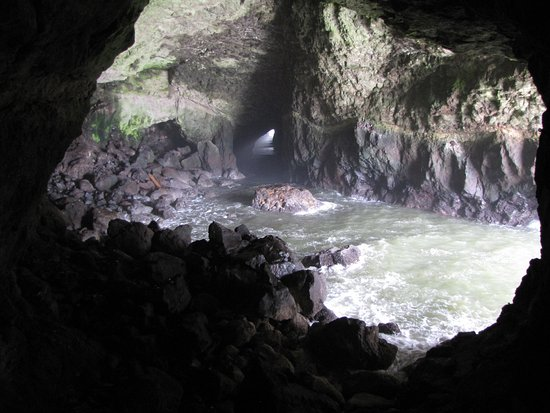 Florence, OR: Empty cave