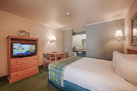 Brandin' Iron Inn: Standard Room - One Queen Bed