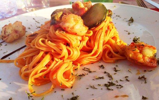 Dilbeek, Bélgica: Tagliolini Scampi e Zucchini