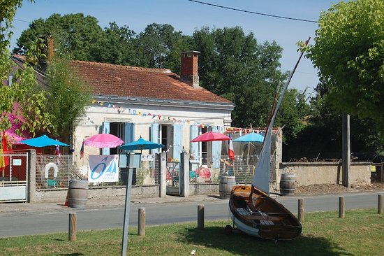 Saint-Christoly-Medoc, Frankrike: le club resto ô voiles