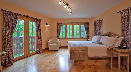 Roseland, VA: Master Bedroom Wilhelm's House