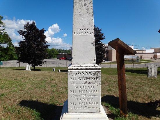 Peshtigo Fire Museum: McGregor family gravestone