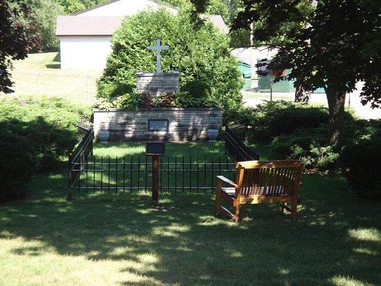 Peshtigo Fire Museum: The mass grave of the victims who were unidentifiable