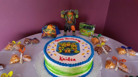 Magnificent Great Cakes Review Of Guiseppinas Italian Bakery South Windsor Personalised Birthday Cards Veneteletsinfo