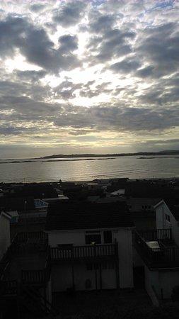 Rhosneigr, UK: Sunset over the Bay