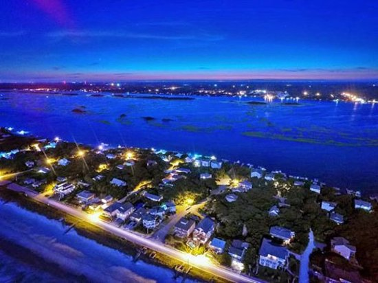Sneads Ferry, NC: During peak season, there is tons to do nearby. Surf City is a bussling community. Great food to