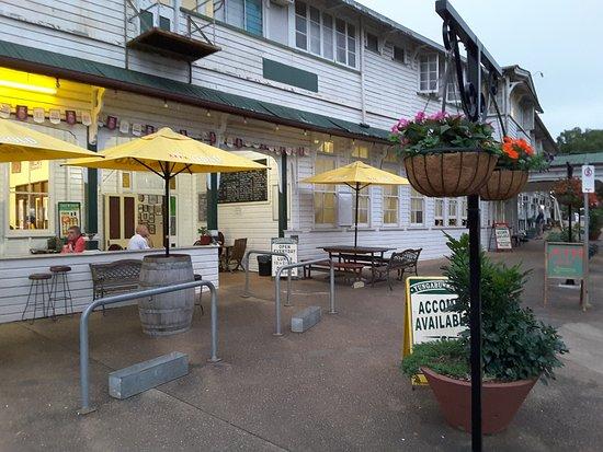 Yungaburra Hotel, Good Pub Grub