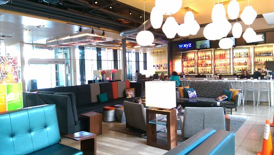 Lexington, MA: WXYZ Lobby Bar and Lounge