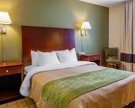 Batesville, Indiana: Guest room with queen bed