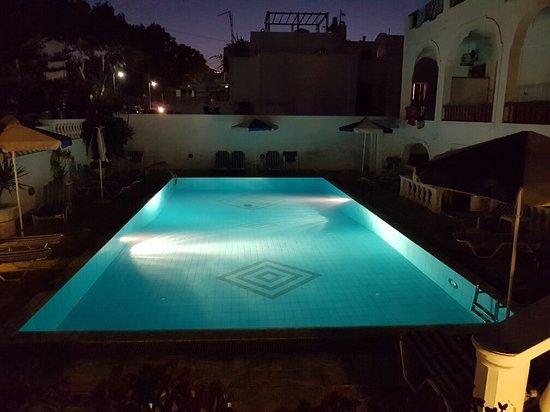 Armonia Hotel: 20160812_205713_large.jpg
