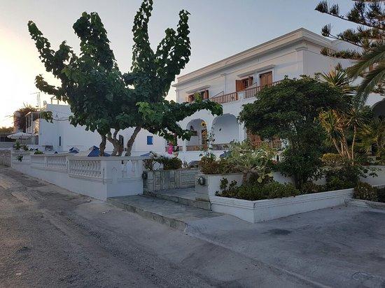 Armonia Hotel: 20160812_193317_large.jpg