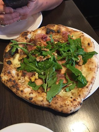 Goshen, IN: fig pizza