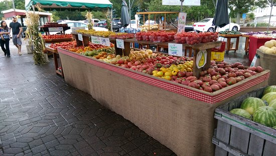 Lexington, MA: The tomato display, heirlooms and varieties not seen in the regular grocery