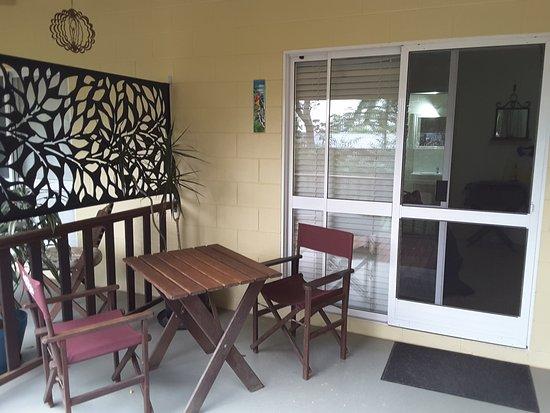 Yungaburra, Australia: Outside Room 11, Breakfast is served on the patio