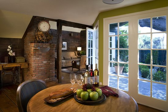 Wine Valley Inn & Cottages: Cottage Interior