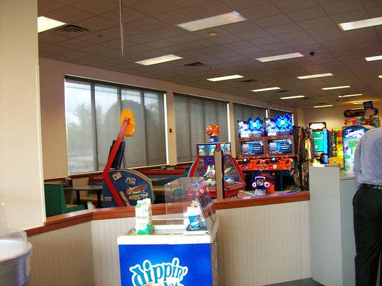 the inside area to the games picture of chuck e cheese s buford
