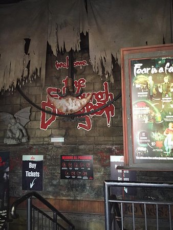 The Edinburgh Dungeon: Entrance to the dungeon. Enter if you dare.