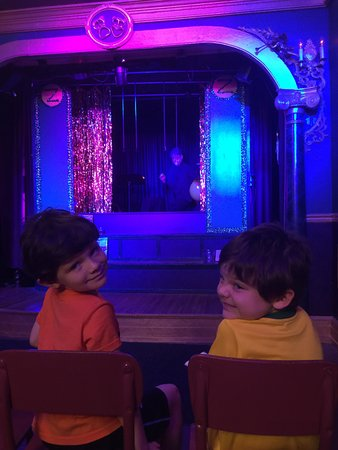 Lancaster Marionette Theatre : The show is about to begin!