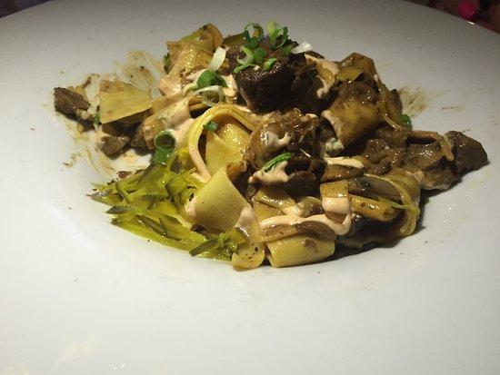 Murrieta's Bar & Grill: Beef Stroganoff.