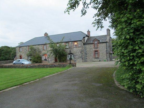 Cavangarden House Photo
