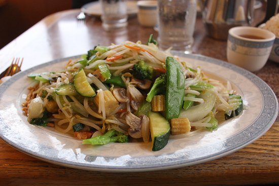 North Bend, OR: Vegetable Chow Mein