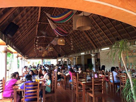 Izamal, Μεξικό: parte del ambiente general y familiar, (tiene area de juegos infantiles)