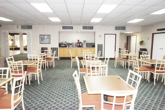 Motel 6 Cave City, KY: coffee room