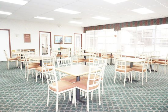 Motel 6 Cave City, KY: coffee room