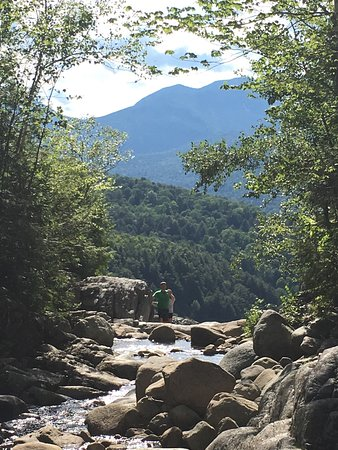 Roaring brook falls keene valley all you need to know for Keene valley cabin rentals