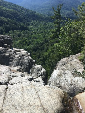 Keene Valley, Нью-Йорк: Roaring Brook Falls