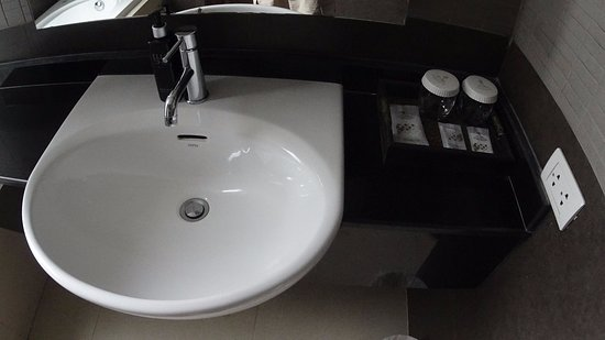 Nora Chaweng Hotel: 洗面台