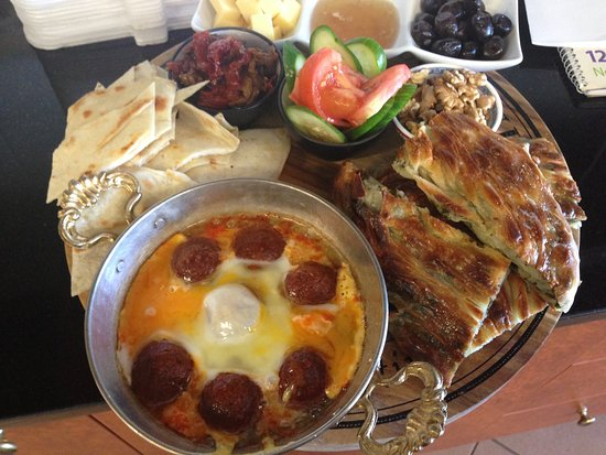 Gozleme Sarayi Turkish Cusine And Cafe   256 Cowper Street, Warrawong New South Wales 2502   02 4274 8150