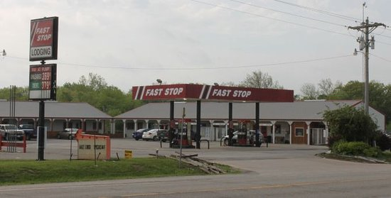 Petersburg, IL: the out side of the gas station