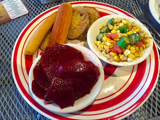 Ramsey's Diner : Fried green tomatoes, corn with okra, pickled beets and cornbread.