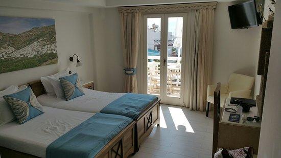 Naxos Island Hotel: 20160802_155440_large.jpg