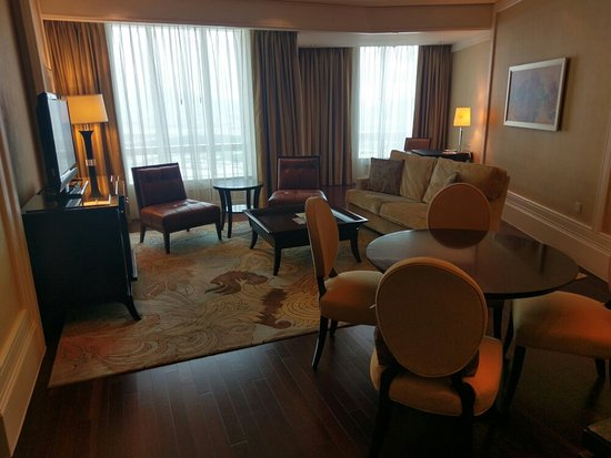 Four Seasons Hotel Macau, Cotai Strip: IMAG0346_large.jpg
