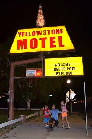 Yellowstone Motel Photo