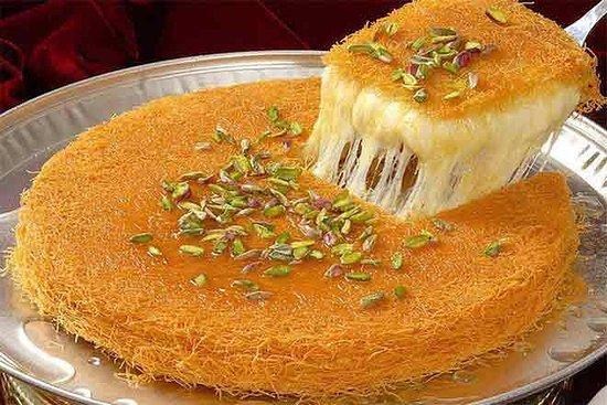 Shtawrah, Lübnan: Fresh, warm, delicious cheese sweet