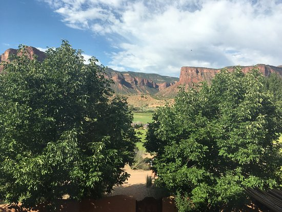 Gateway, CO : The view from our room. Beautiful big windows and had blackout shades for sleeping in