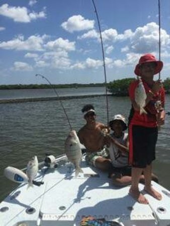Edgewater, FL: Capt. Mike made this the best part of our trip! The boys had such an awesome time catching diffe